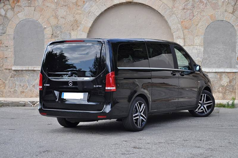 grand taxi 6 personnes l 39 a roport de marseille mercedes classe v r servation taxi. Black Bedroom Furniture Sets. Home Design Ideas